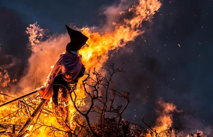 Witch Burning free tour photo