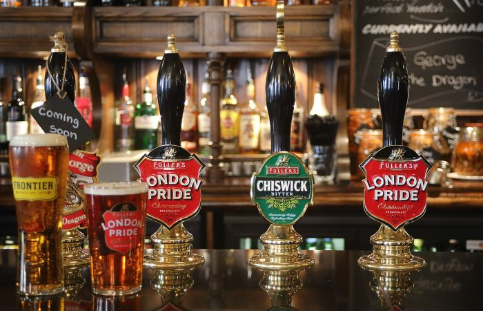 Beer and Gin History Pub in London Tour