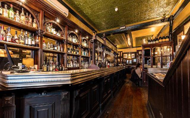 Fox and Anchor London Pub